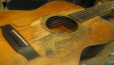 AntiqueMartinGuitar